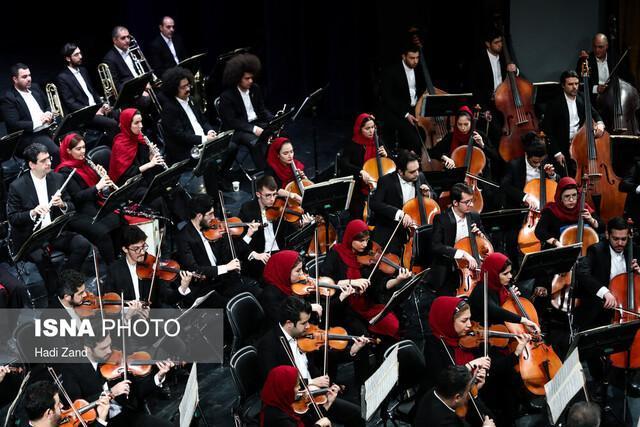 نوازندگان ارکستر که مسافرکشی می کنند!