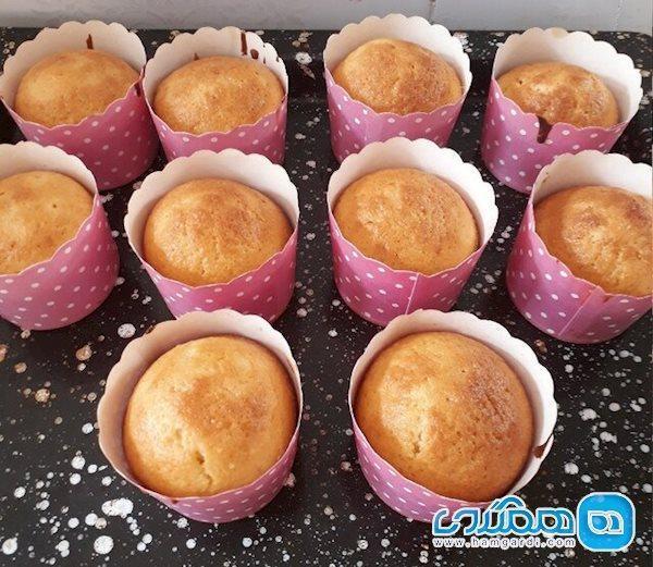 تاثیر جایگزینی شکر با شیره خرما در کیک های مافین